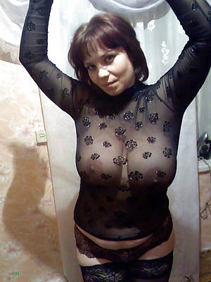 busty amatuer erotic women pics