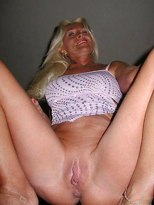 hotties aloof nude mature women photo