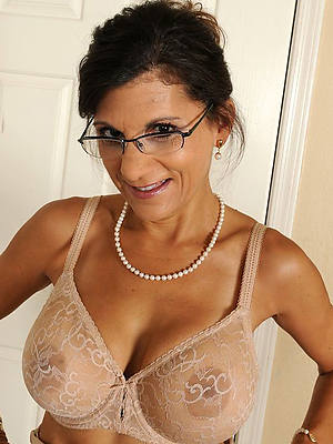 hotties sexy column with glasses nude pics