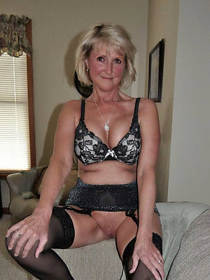 free mature solo slut pictures