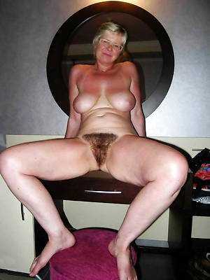 xxx beautiful mature woman legs