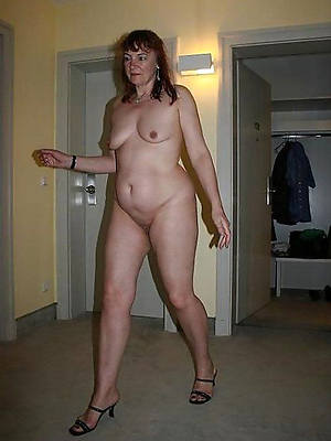 real mature woman legs porn pictures
