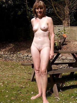 porn pics of hot downcast mature legs