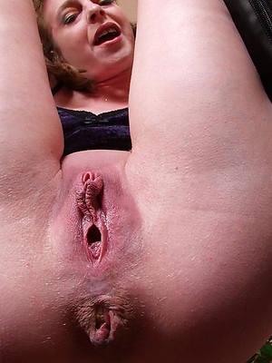 bush-leaguer women pussy up close pics