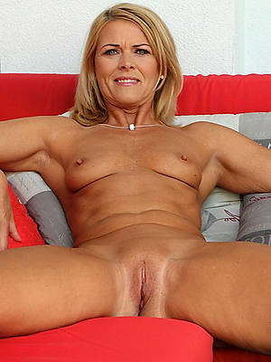 busty amatuer mature obscurity pussy