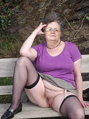 grey crestfallen grannies naked porn pics