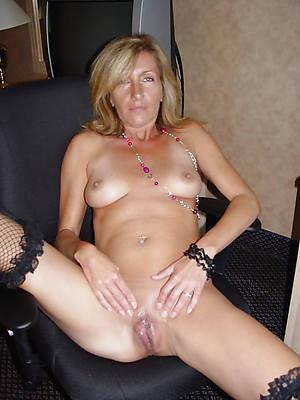 mature blonde housewife titties nude