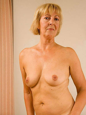 mature blonde housewife cunt lips