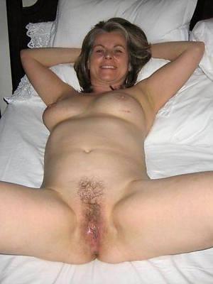 beautiful naked off colour mature mom photo