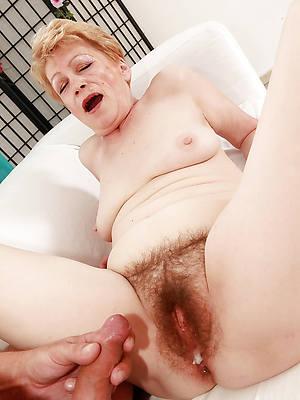 beautiful amateur unshaved nude women pics