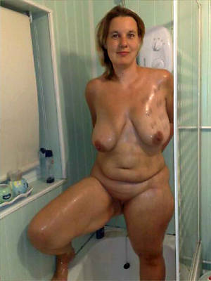 busty amatuer mature women in the shower photo