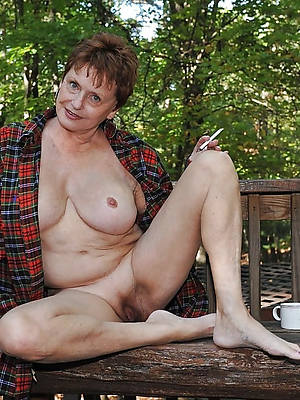 busty amatuer mature legs coupled with hands