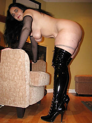 mature women in heels naked porn pics