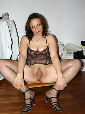petite mature woman in heels nude photos