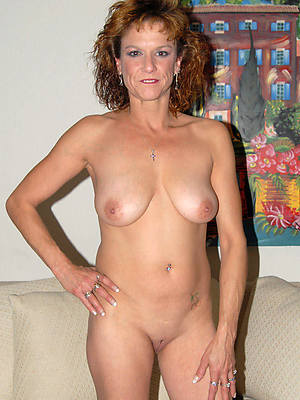 mature hairy nude women slut pictures
