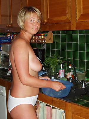 slutty mature uk housewives pics