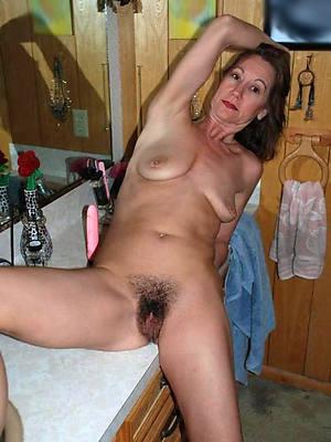 petite hairy mature wed porn pics