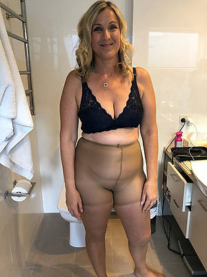 well done mature pantyhose photos