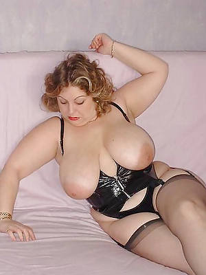 hot naked grown-up big breast pic