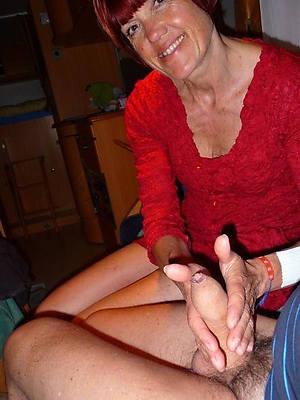 mature giving handjobs lovemaking xxx