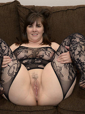 chubby of age mom free porno