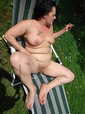 free xxx fat mature solo porn photos