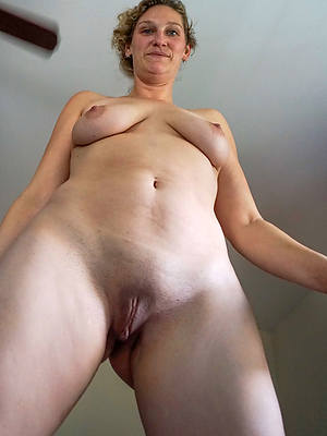 unconforming xxx real mature amateurs porn pics