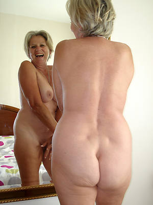 nude pictures of mature body of men stripped