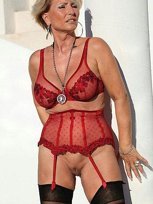 curvy lingerie matures galleries
