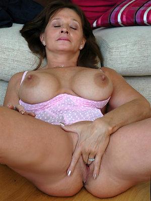 unsound grown-up mom masturbating pics
