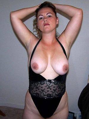 gorgeous hot mature milf colonnade