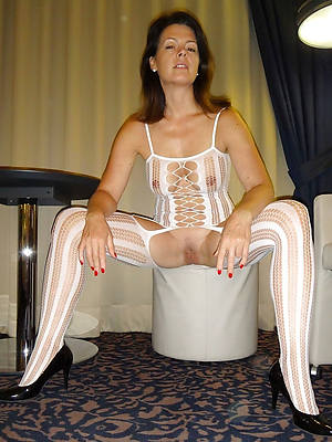 mature women approximately nylon stockings porn pictures