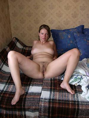 reality off colour mature legs porn pics