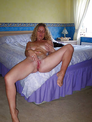 sexy mature women legs perfect body