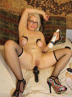 mature woman masturbating mam porn