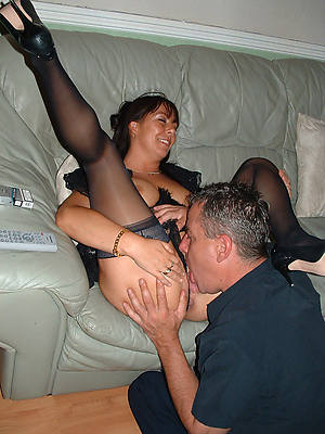 free xxx eating mature pussy