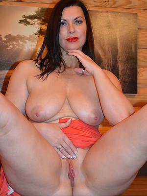 reality mature singles nude pics