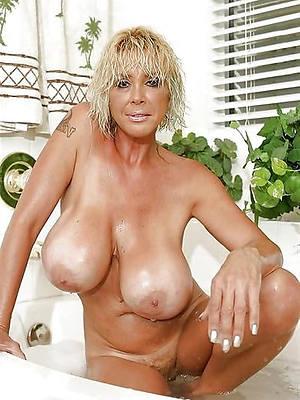 amatuer mature big tits stripped