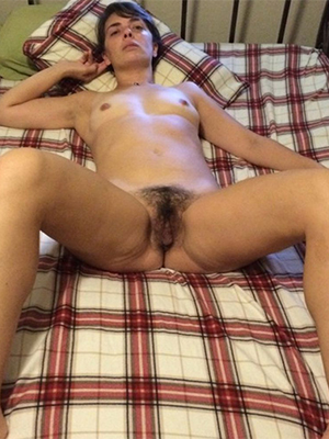 unshaved mature pussy naked porn pics