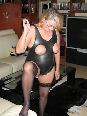 mature in rubber homemadexxx
