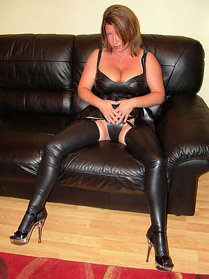 hotties mature in rubber porn pictures