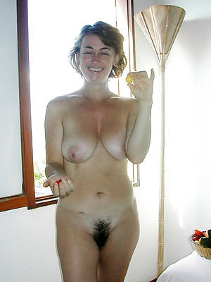 hairy mature cunt porn galleries