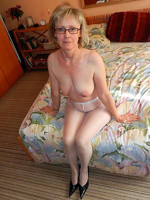 mature pantyhose fetish porn pics