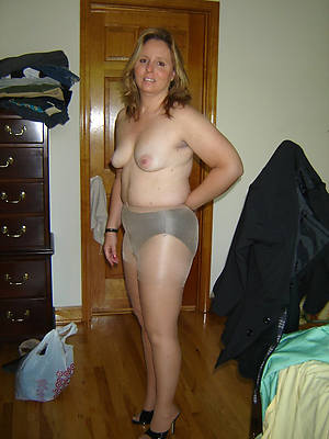mature pantyhose legs galleries