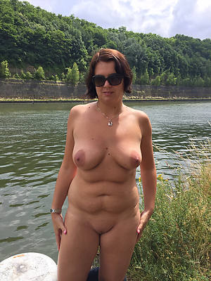 porn pics of hot mature women on beach