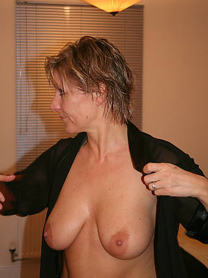 reality hot grown-up boobs nude pics