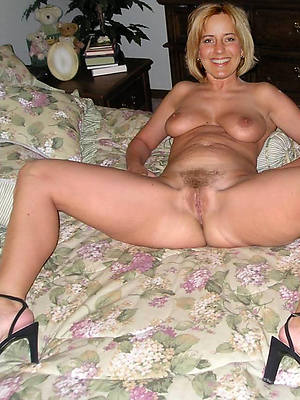 mature women anent high heels pics