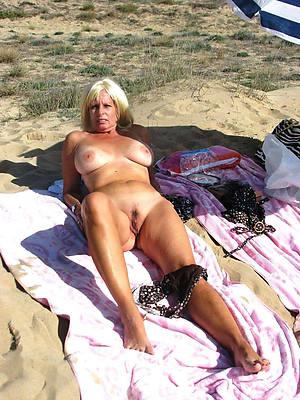 hot naked mature womens legs pics