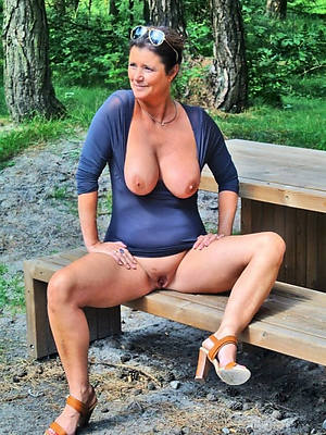 free mature outdoor dirty sex pics