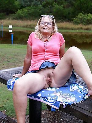 free mature upskirt XXX pics